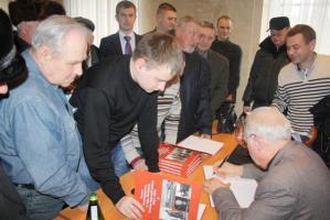 С.В. Муравленко на встрече с партактивом и общественностью Белгородской области: «Почему власть спешно разукрашивает общество в политическое разноцветье?»