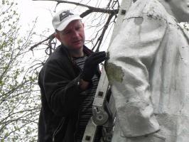 21 апреля коммунисты провели в Белгороде субботник