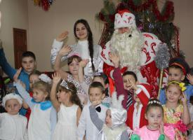 В канун Нового года в Белгородском обкоме КПРФ  главными гостями были дети из социально незащищенных семей