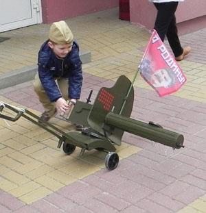 Виктор Василенко: и вновь продолжается бой –  идейные наследники RUSSLAND против памяти о Советской России